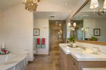 Bathroom-Franciscan-Way-03
